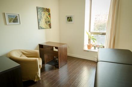bureaux pour massoth rapeutes rue saint denis montr al association professionnelle. Black Bedroom Furniture Sets. Home Design Ideas